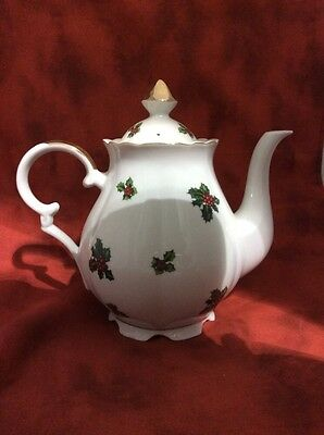 Lefton Holly Leaf & Berry on White Teapot 7948