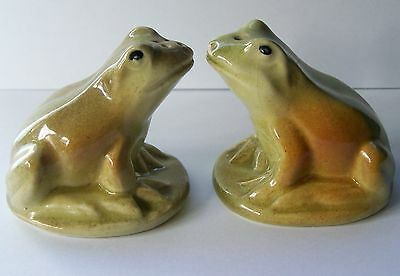 Australian Pottery Darbyshire Ware Salt & Pepper Ceramic Frogs