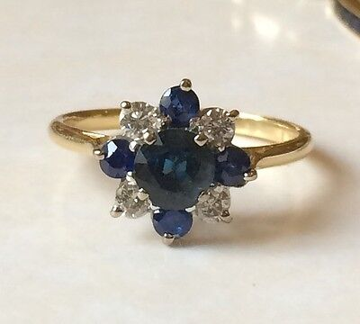Vintage 18ct Gold Sapphire And  Diamond Cluster Ring Size M 2.5 Grams