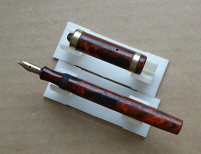 Conway Stewart fountain pen and box, Dinkie 526 M, orange wood marble effect.