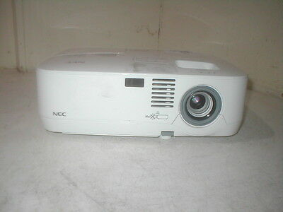 NEC NP305 3LCD 2200ANSI Multimedia Projector. Displays OK i1
