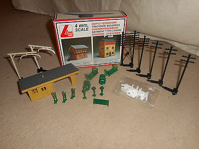 Collection of Scenic Items for Hornby OO Gauge Train Sets