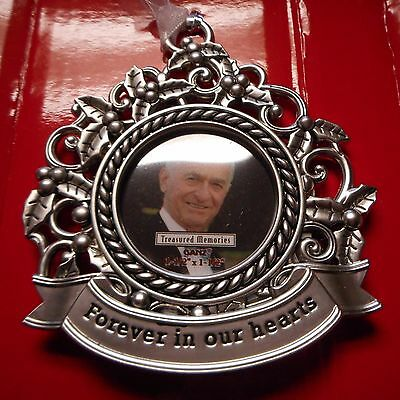 """NEW Memorial Photo Ornament from Ganz, """"Forever in our hearts"""""""
