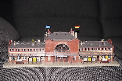 HO Scale Large Train Station by Faller - Assembled detailed, VGC