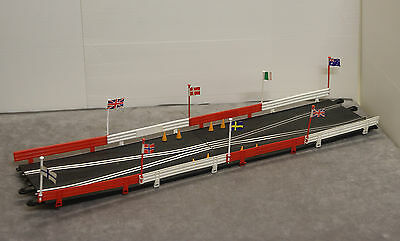 SCALEXTRIC Classic PT74 Short Chicane + Armco Barriers, Flags & Cones