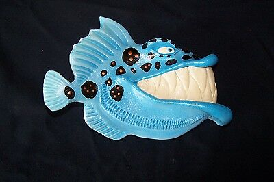 Artist Mike Quinn - Fish With Attitude - Buzz