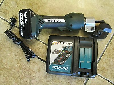 Greenlee Gator cordless cable cutter ES20L with battery