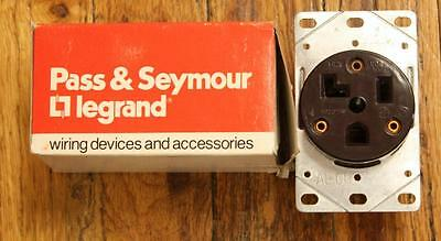 Pass & Seymour 3802 Dryer Receptacle 30A 125VAC 2-Pole 3-Wire