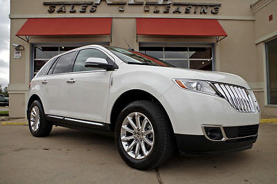 2013 Lincoln MKX Base Sport Utility 4-Door 2013 Lincoln MKX, 1-Owner, 23k Miles, Premium Package, Panorama Moonroof, More!