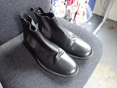 Black leather Chelsea/Ankle boots size 9/Euro 43