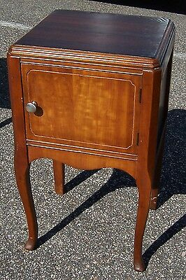Vintage Wooden Night Stand with 1 Cabinet Door
