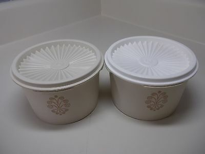 2 VINTAGE TUPPERWARE #1297 Almond/Wheat Servalier Cansters