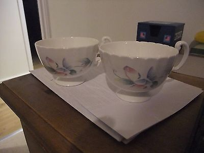 Lovely Pair Of Aynsley Tea Cups In The Little Sweetheart Pattern.