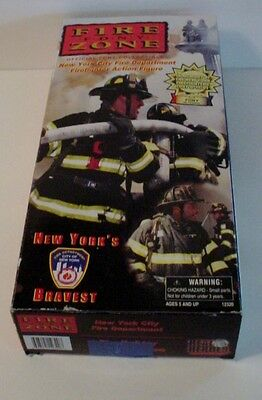 """2001 Real Heroes FDNY Fire Zone 9/11 Firefighter Action Figure 12"""" New York 911"""