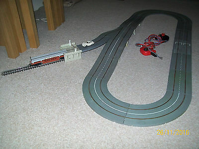 Nice Working Triang Railway / Minic Motorway Road Rail Lay Out