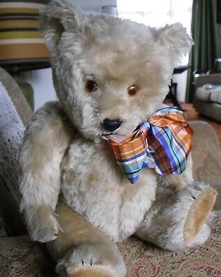 Chubby - 17 Inch Chiltern Hugmee Musical Bear In Very Good Condition