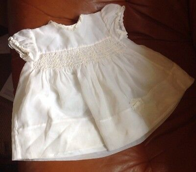 Vintage 1960s Terylene white smocked dress Aged Approx 3-6 Months