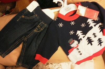M&S baby, LOVELY  SET JEANS AND  SNOWMAN SCENE JUMPER. age 0-3 months.bnwt