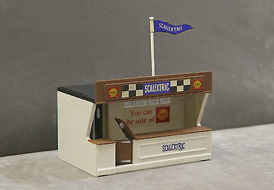 Vintage Tri-ang SCALEXTRIC K701 Kit Built Racing Pit Building (Modified)