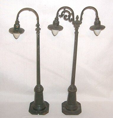 1914-1936 Lionel Train #61 & #67 Lamp Posts. Gooseneck Lights