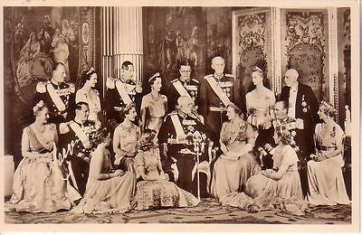 Sweden  - The Royal Family unused real photo postcard