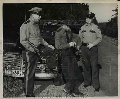 1949 Press Photo City, County & State Police Represented in Manhunt - orb92143