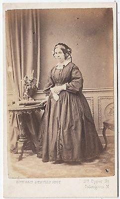 ISLINGTON - Victorian Carte de Visite by Edward Shayler - Lady & Side Table