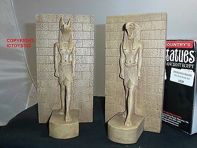 King And Country Ae54 Ancient Egyptians New Pyramids Wall Gods Diorama Building