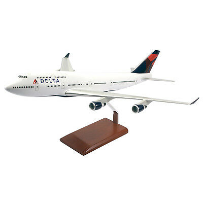 Delta Airlines Boeing 747-400 Desk Top Display 1/100 Jet Model Aircraft Airplane