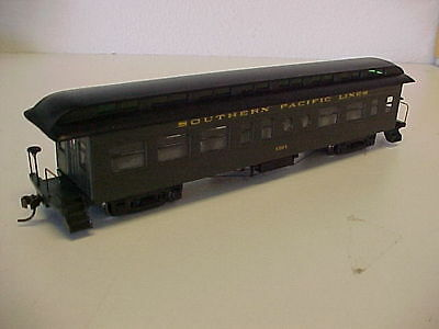 HO, Roundhouse, SP Overland  Coach # 1376, mint in box.