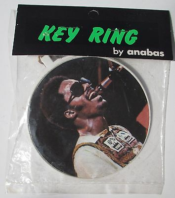 "RARE 1973 STEVIE WONDER 3"" Photo KEY CHAIN RING MIP - UK --Last One"
