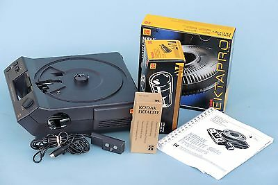 Kodak Ektalite 500 35mm Slide Projector - Boxed With Lens,Tray & Remote Control.