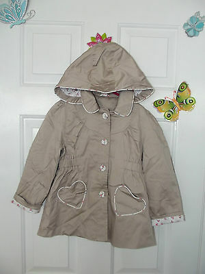 Girls Light Brown/cappuccino Colour Hooded Coat In Size 4-5 Years