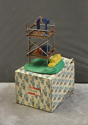 Vintage Tri-ang SCALEXTRIC F302 TV Tower Camera And Crew Set (Rubber Base) Boxed
