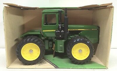 John Deere 8650 4WD Tractor w/Duals Collector Edition NIB ERTL 1/16 Hard To Find
