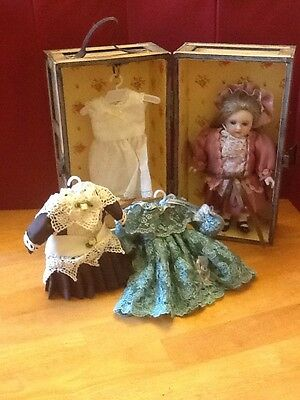 Rare Blond Porcelain Doll Trudy Traveler Show Stoppers Orig Wooden Trunk 4 Dress