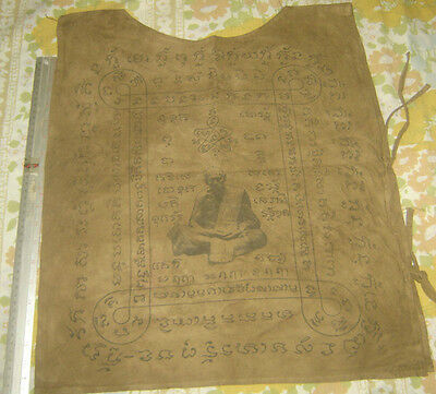 Suea Yant (yantra Shirt)Holy Yantra Cloth Lung Poo Tim from Wat Rahanrai Temple