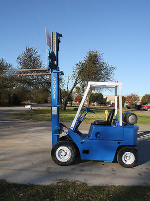 Clark Forklift 5000 LBS Capacity, LP Gas Warehouse Lift Truck, Great Condition!!