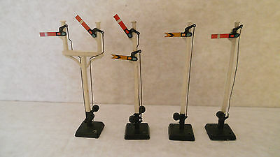 Four Hornby Meccano LTD Metal Signals Made in England very good condition