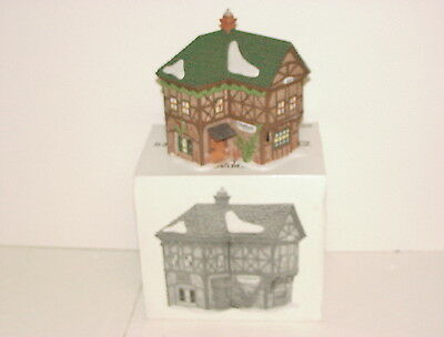 """Dept 56 Dickens' Village Series """"T. Puddlewick Spectacle Shop"""" - #58331 - W/Box"""