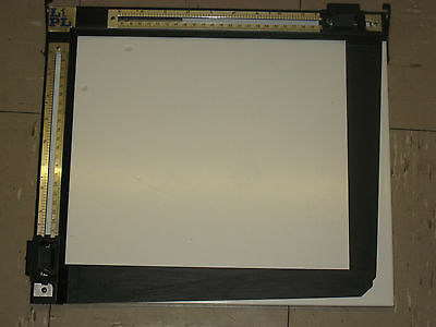 "Lpl 10""x12"" 2 Blade Enlarging Easel Mask In Great Condition"