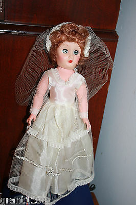 """Vintage 14"""" Vinyl Bride Doll In All Original Outfit !! Unmarked,minty Condition"""