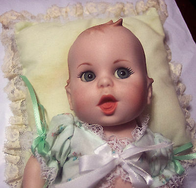 """Rare Bisque/Porcelain Gerber 9"""" Baby Doll Adorable Outfit & Crochet Booties GUC"""