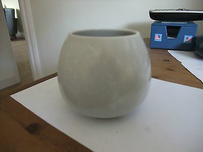 Lovely Poole Pottery Twintone Small Bowl