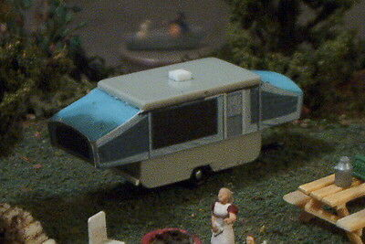 Popup CAMPER Popped up ! N Scale vehicle BLUE