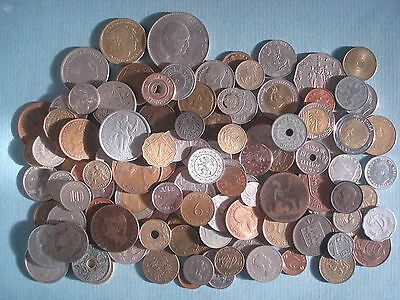 Interesting Lot Of World Coins / Plus A Few Tokens - Nice Selection