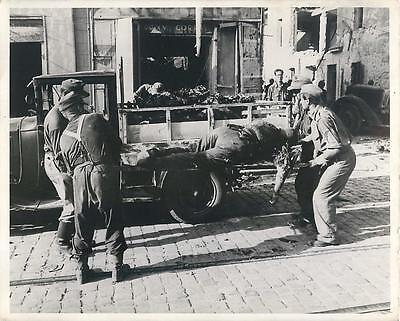 WWII FFI Removing Bodies of Nazi Troops from Streets of Toulon Orig Press Photo