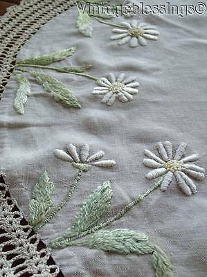 """c1900 Antique Arts & Crafts Society Silk Embroidered Daisy Centerpiece Doily 31"""""""