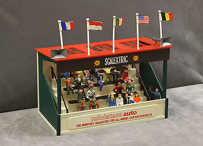 Vintage Tri-ang SCALEXTRIC A209 Spectator Grandstand (miniature auto) + Figures