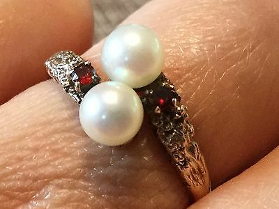 Vintage 9 ct yellow gold Cultured pearl and garnet ring  3.2 gm size O